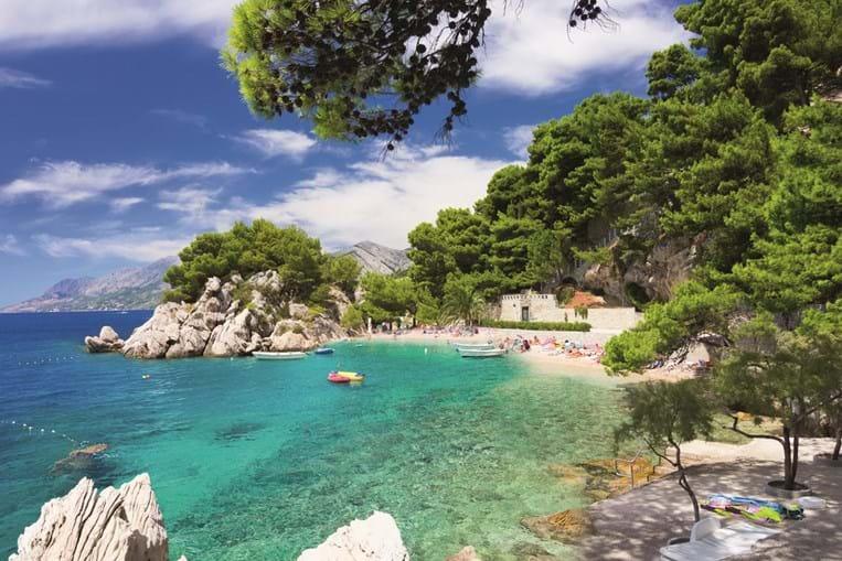 Águas quentes e cristalinas garantem férias de sonho