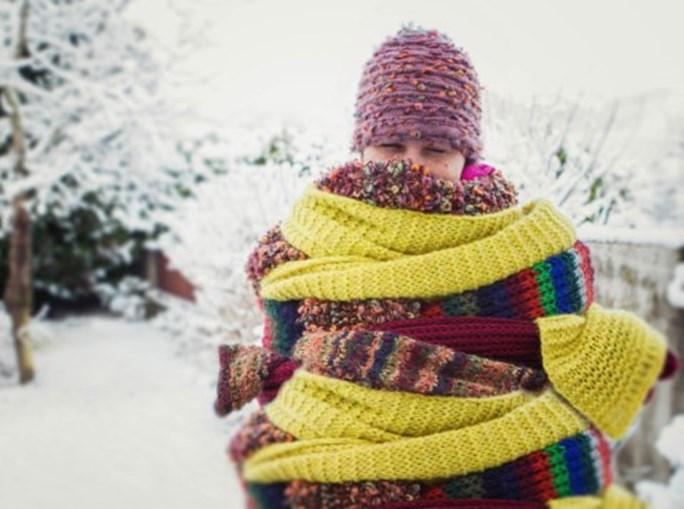 Uso de agasalhos em camadas sucessivas de roupa