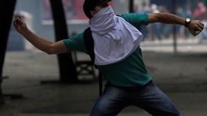 Violência explode no Carnaval do Rio sem a polícia presente