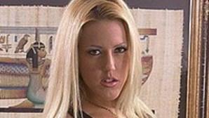 Professora despedida por ter sido atriz porno