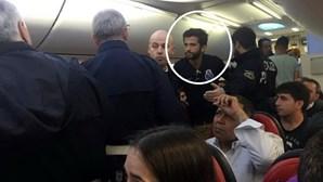 Suspeito de roubar microfone já foi expulso de voo por desacatos