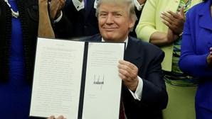 """Trump admite solução de """"compromisso"""" para os imigrantes"""