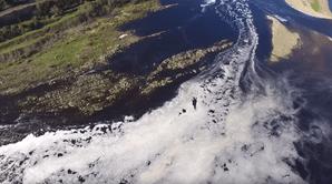 Águas do Tejo estão negras