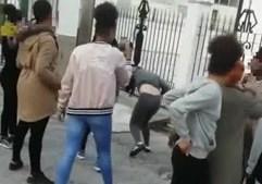 Agressões são filmadas por mais do que uma rapariga com telemóveis