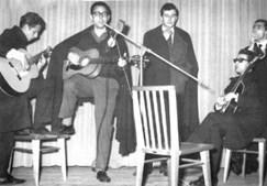 A cantar fado em Coimbra, nos tempos de estudante