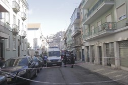 Deslizamento de terras na Rua Damasceno Monteiro, em Lisboa