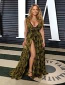 O decote ousado de Mariah Carey