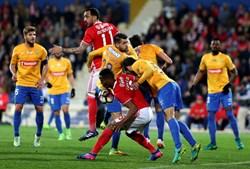 As melhores imagens do Estoril-Benfica