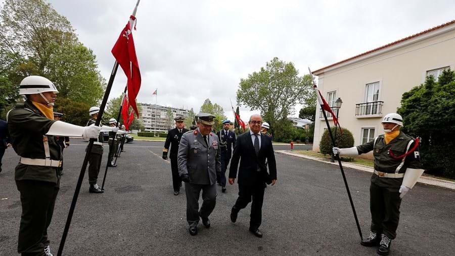 O gabinete do ministro Azeredo Lopes apresenta dados que mostram que o posto com mais generais é o de contra-almirante/major-general: 47 no final de 2016