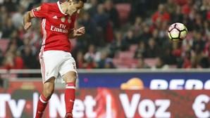Jonas renova contrato com Benfica até 2019