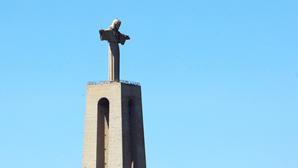 Cristo Rei compromete aeroporto no Montijo