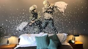 Hotel palestiniano de Banksy vai transmitir concertos dos Massive Attack