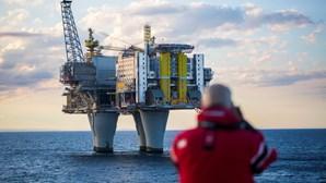 Governo promove petróleo