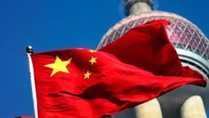 Pelo menos 36 mortos em colisão de autocarro e camião na China