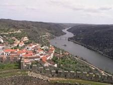 Do alto do castelo de Belver pode apreciar-se o Tejo