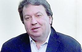 Santos Silva confrontado com as  declarações de Hélder Bataglia