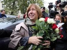 Svetlana Alexievich recebeu o Prémio Nobel da Literatura em 2015