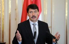 Janos Ader, o presidente da Hungria