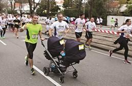 Há várias corridas para pais e filhos neste dia