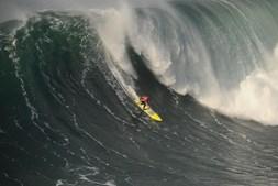 As ondas gigantes revolucionaram a economia local da Nazaré