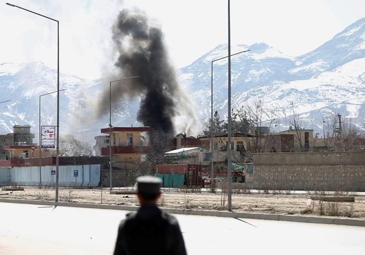 Ataque suicida contra a sede dos serviços secretos em Cabul