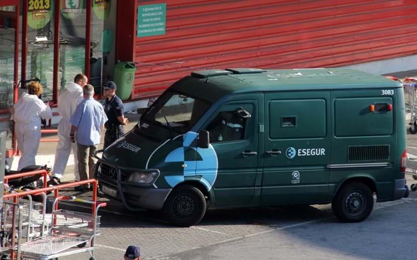 Uma carrinha da Esegur está entre os alvos do grupo agora detido pela Polícia Judiciária