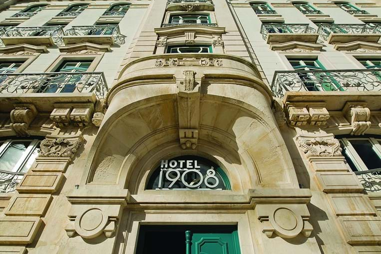 O 1908 Lisboa Hotel surge num edifício arte nova, totalmente renovado, mas que respeitou a arquitetura original