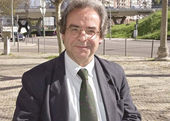 Manuel dos Santos critica a falta de senso da 'máquina fiscal'
