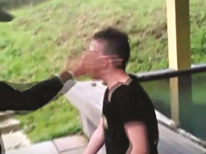 Jovem de 15 anos foi agredido por dois rapazes de 16, em Fânzeres, Gondomar. Dois vídeos foram publicados num grupo privado do Facebook