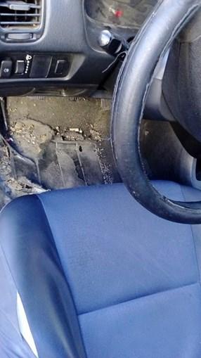 Interior de carrinha da PSP