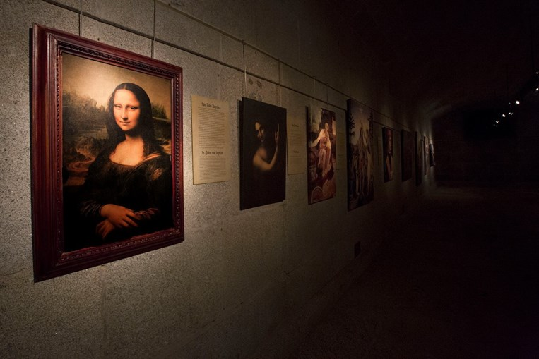 Réplica de uma das obras mais conhecidas do artista, a Mona Lisa