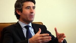 """PS considera que negociações entre PSD e Chega significariam """"rutura com cultura social-democrata"""""""