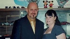 Publica fotos de ex-namorada nua e convida 50 homens para violá-la