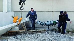 Camionista esmagado por laje de betão com três toneladas