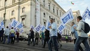 Cerca de 200 polícias protestam em Lisboa