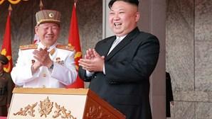 """Coreia do Norte confirma disparo """"com sucesso"""" de míssil"""