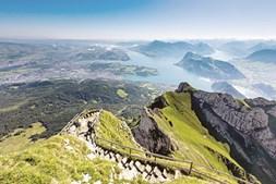 Vista do monte Pilatus e do Lago Lucerna