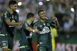 Reinaldo marcou um dos golos na vitória da Chapecoense