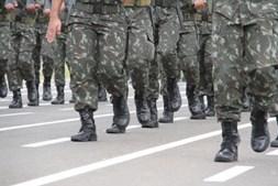 O exército norte-americano quase construiu uma bomba que tornava os inimigos gays