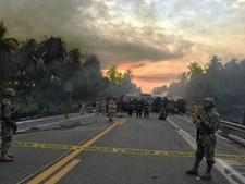 Choque frontal no México provoca 24 mortes