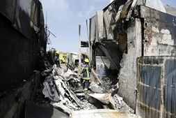 Avião despenha em Tires matando cinco pessoas