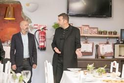 Proprietário do Tomate com o chef Ljubomir