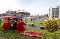 A rotunda junto às piscinas do Estádio da Luz onde o adepto do Sporting foi atropelado