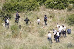 Buscas realizadas pela polícia inglesa na Praia da Luz