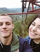 Johanna Hines e o namorado, Damon, mostram grande cumplicidade nas redes sociais