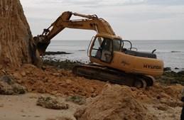 Trabalhos da Agência Portuguesa do Ambiente decorreram na praia Maria Luísa