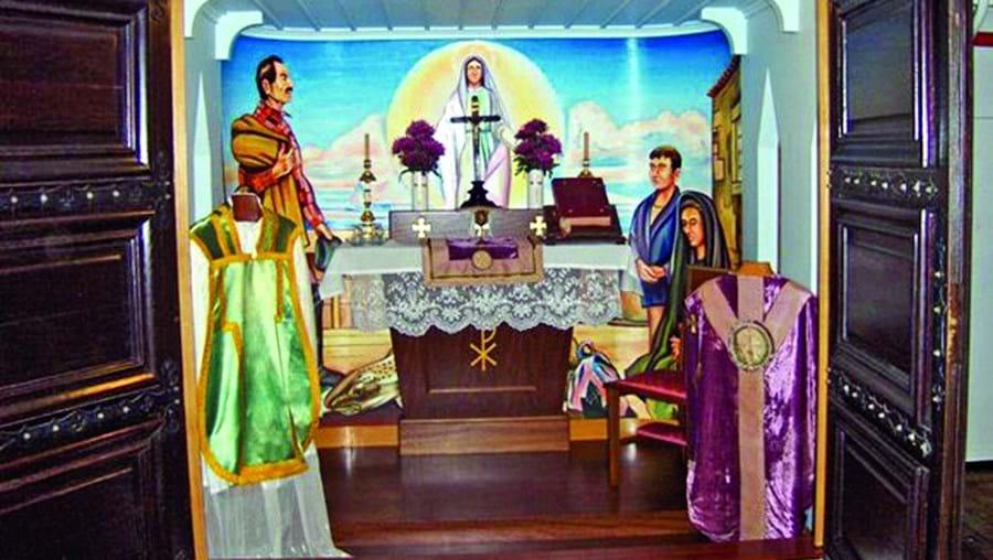 A capela do navio Gil Eannes é um dos 21 templos que, no próximo dia 13, estarão de portas abertas durante a noite