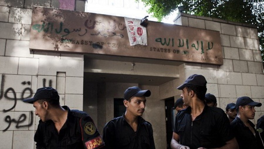 Ataque em mosteiro no Egipto provoca a morte de um polícia