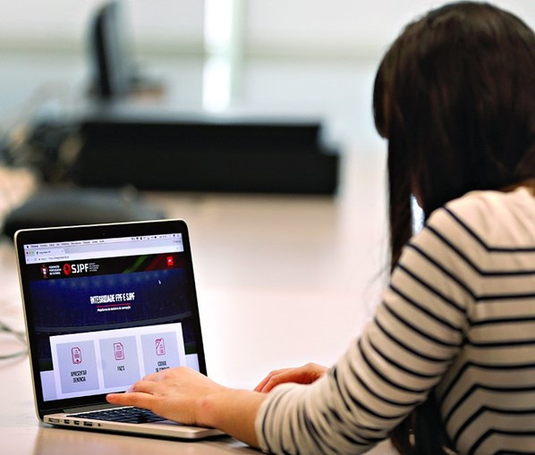 Plataforma online permite denúncias sob anonimato