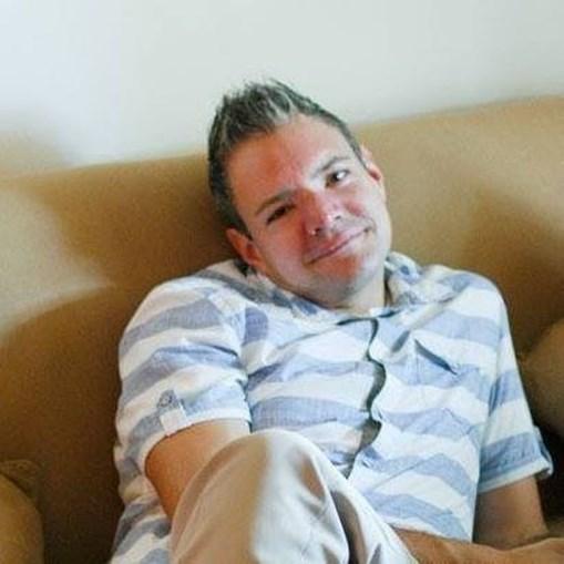 Travis Malouff, de 42 anos, morreu a comer donut gigante
